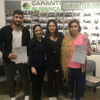nisan-2019-donemi-ogrencilerimiz-belgelerini-aldilar